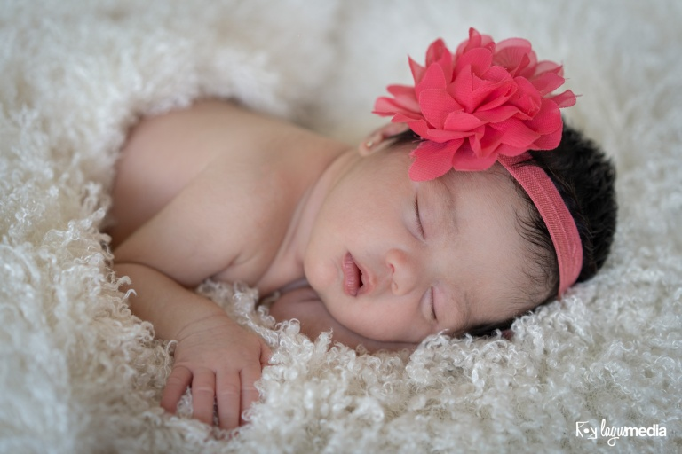 Newborn Lourdes LOGO-14