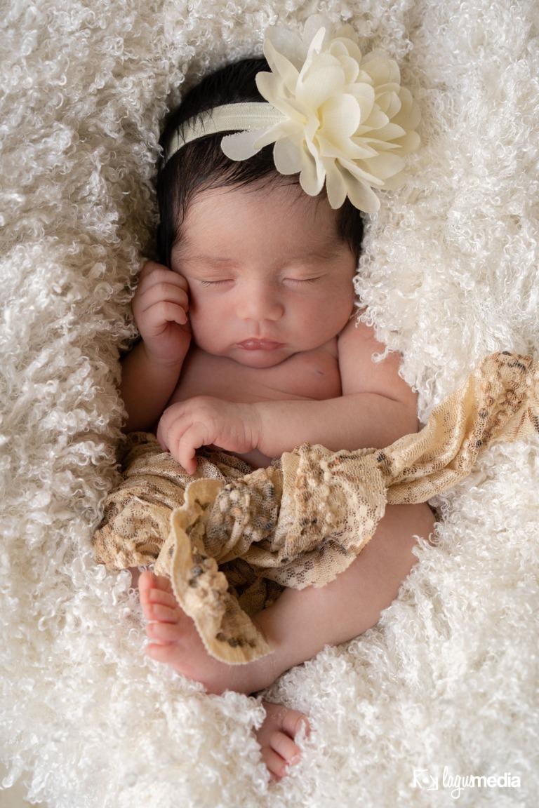 Newborn Lourdes LOGO-4